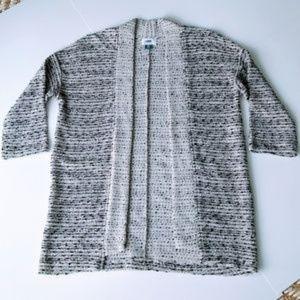 NWOT! Old Navy B & W Knit Kimono Style